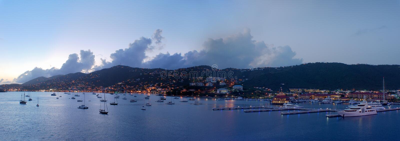 St.Thomas alla notte immagini stock libere da diritti