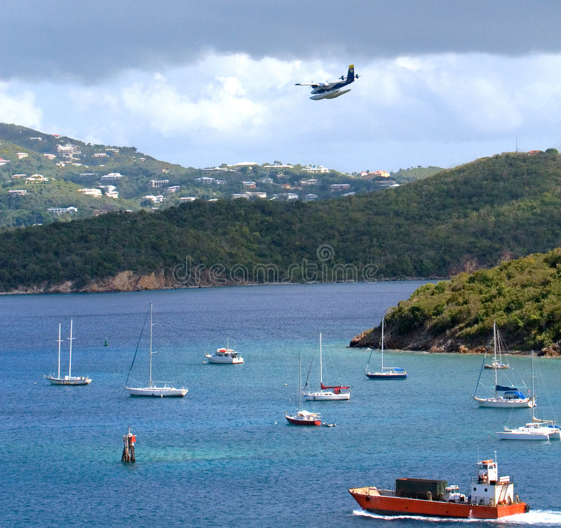 St. Thomas Harbor Sailboats en Watervliegtuig stock foto