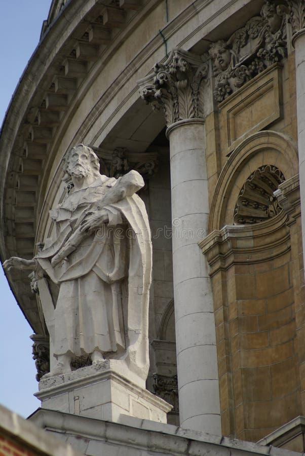 St Thomas staty, St Paul Cathedral, London, England arkivbild