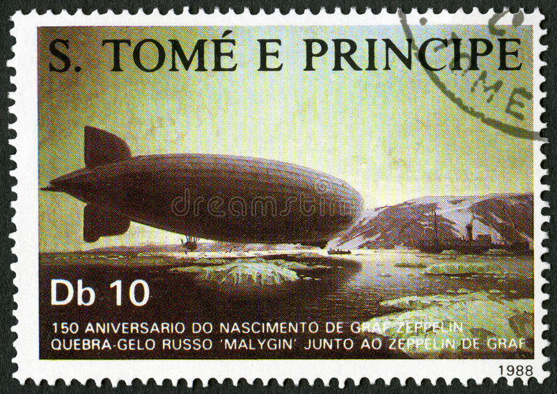 St. THOMAS UND PRINZ ISLANDS - 1988: Shows Verabredung des Zeppelins mit russischem Eisbrecher Malygin stockfoto