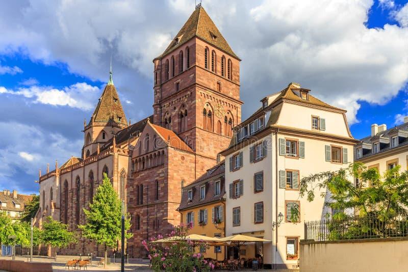 St Thomas uno di più grandi chiese a Strasburgo immagine stock