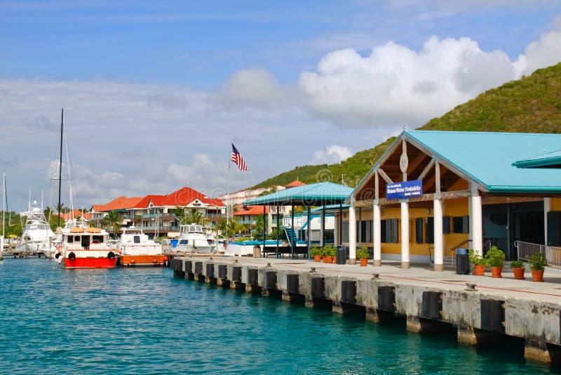 St. Thomas, USVI - terminal de balsa vermelho do gancho fotos de stock royalty free