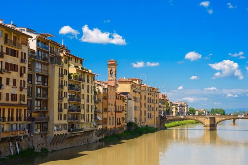 St-Treenighetbro i Florence, Italien 2017 fotografering för bildbyråer