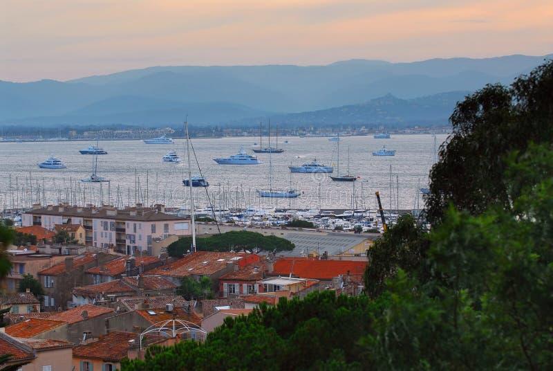 St.Tropez Hafen am Sonnenuntergang lizenzfreies stockfoto