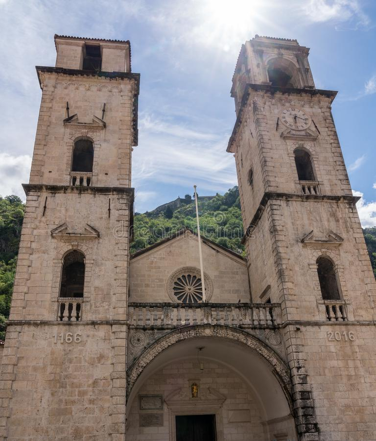 St Tryphon教会在老镇科托尔在黑山 库存图片