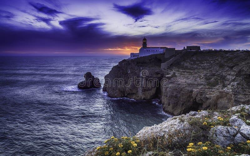 St Vincente Lighthouse bij schemer, Sagres, Portugal stock afbeeldingen
