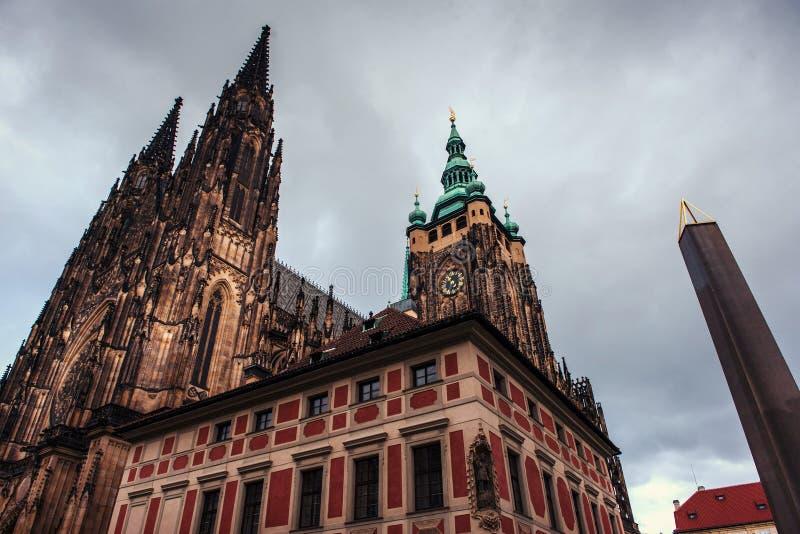 St Vitus Cathedral en Praga fotos de archivo