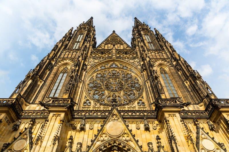St Vitus Cathedral voorgevel, Praag, Tsjechische Republiek stock foto