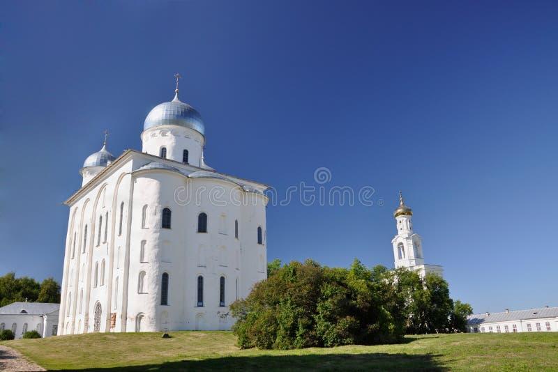 St Yuriev Klooster van de Russische Orthodoxe Kerk ter ere van de Grote Martelaar George, één van oudst in Rusland stock foto