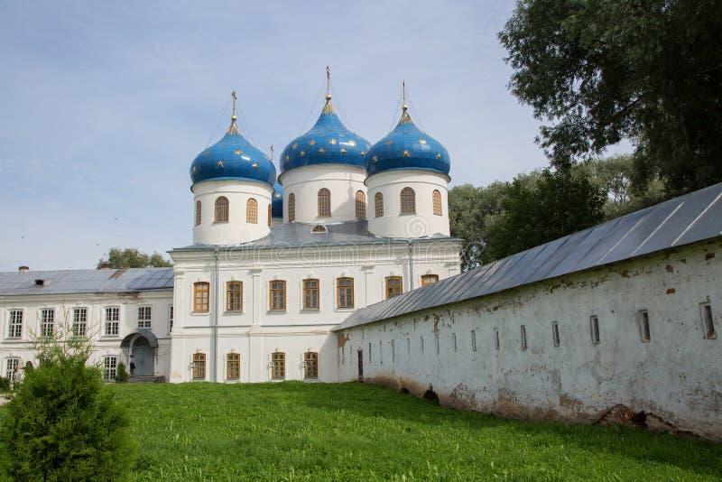 St Yuriev ` s Klooster in Veliky Novgorod royalty-vrije stock foto