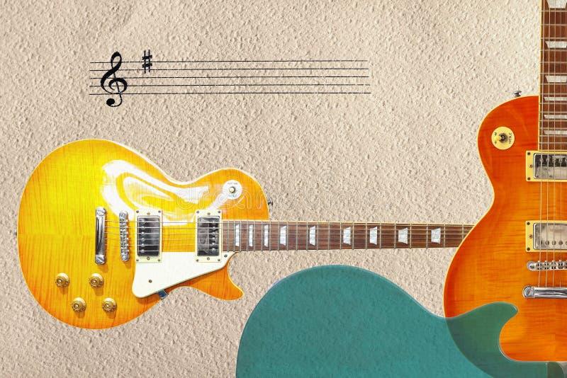 Staaf en twee zonnestraal uitstekende elektrische gitaren en rug van gitaarlichaam op de rechterkant van ruwe kartonachtergrond stock fotografie