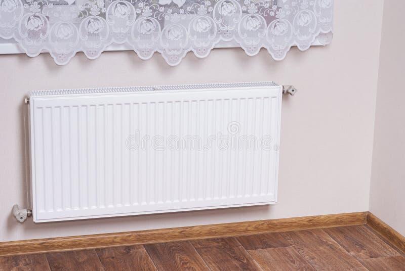 Staal het verwarmen radiator royalty-vrije stock foto's