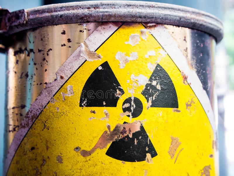Staalcontainer Radioactief materiaal stock foto's