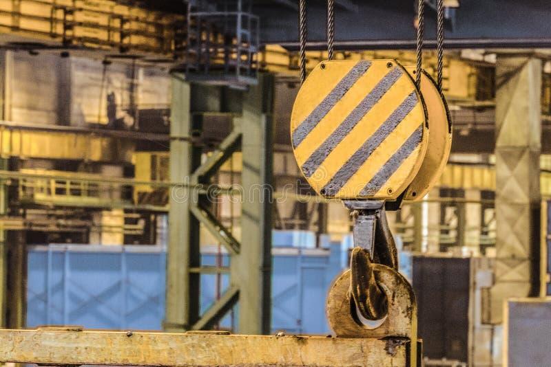 Staalhaak van industriële kraan royalty-vrije stock fotografie