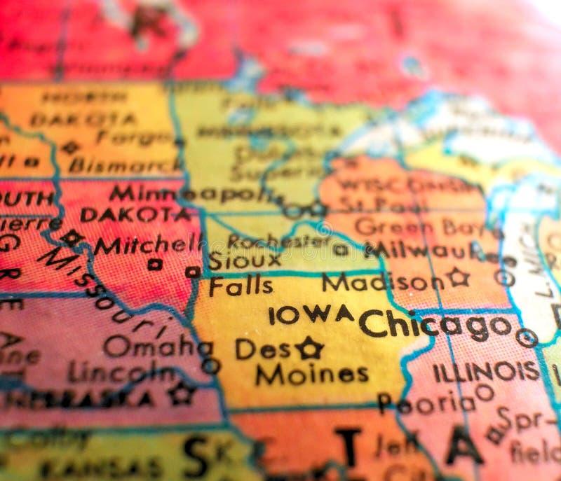 Staat Iowa USA richten Makroschuß auf Kugelkarte für Reiseblogs, Social Media, Netzfahnen und Hintergründe stockfotografie