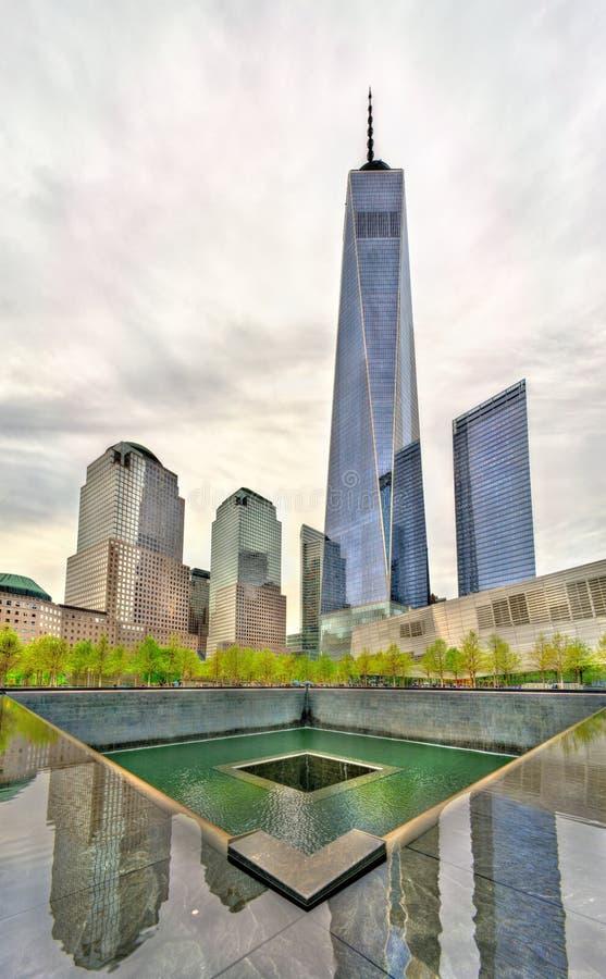 Staatsangehörig-am 11. September Denkmal, das die Terroranschläge auf dem World Trade Center in New York City, USA gedenkt lizenzfreie stockfotos