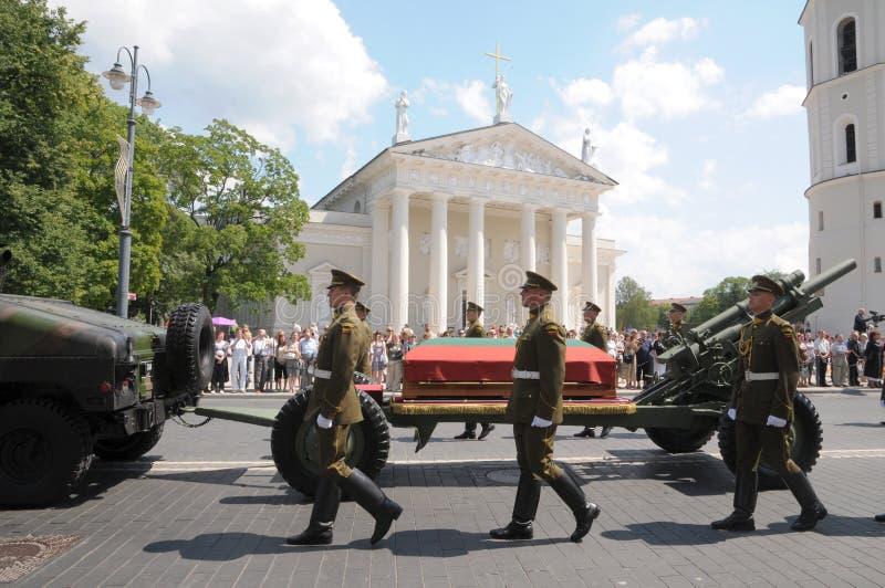Staatsbegräbnis vom ehemaligen des Litauens Präsident stockfotografie