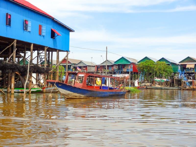Stabilimento tradizionale al fiume Tonle Sap fotografia stock