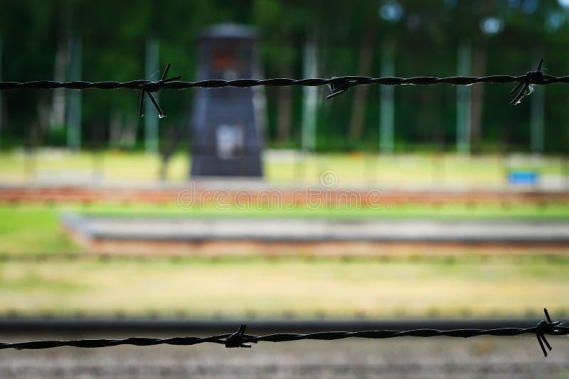 Stacheldraht vom Zaun des Nazi German-Konzentrationslagers lizenzfreie stockfotografie