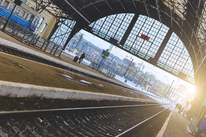 Stacja kolejowa w Lviv, Ukraina Projekt jest jednakowy dworzec w Mediolan, Włochy obrazy stock