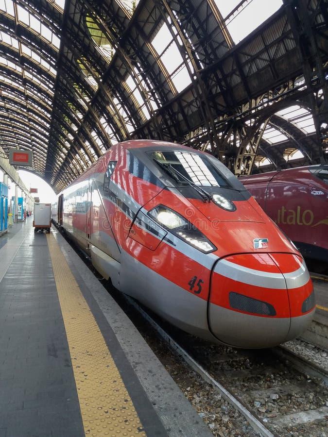 Stacje i przystanki kolejowe w Mediolanie fotografia royalty free