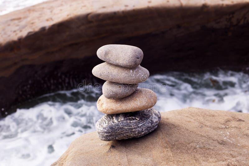 stack zrównoważone kamienie fotografia stock