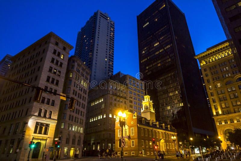 Stad av Boston på natten royaltyfri bild