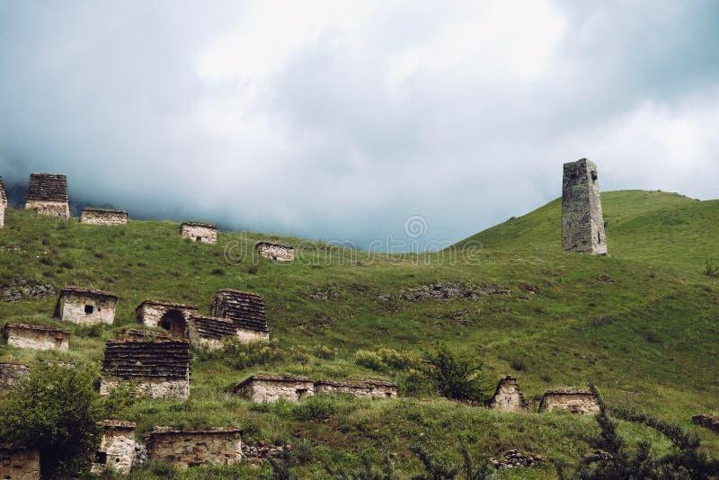 Stad av dödaen i Ossetia Dargavs crypts fotografering för bildbyråer