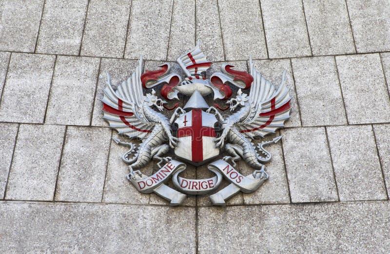 Stad av det London vapnet på guildhallen royaltyfria foton