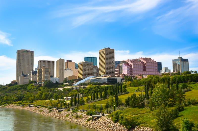Stad av Edmonton i sommar royaltyfri fotografi