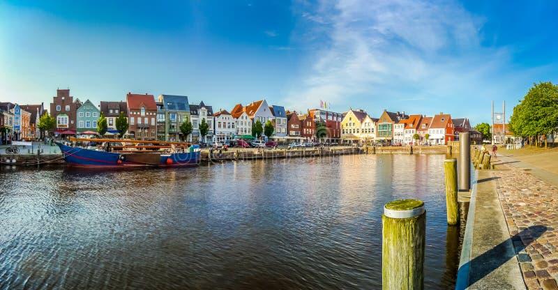 Stad av Husum, Nordfriesland, Schleswig-Holstein, Tyskland royaltyfri foto