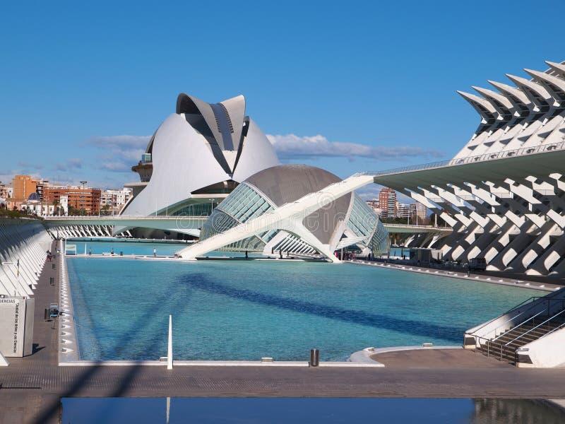 Stad av konster och vetenskaper (Ciudad de las artes y lasciencias) i Valencia, Spanien royaltyfri fotografi