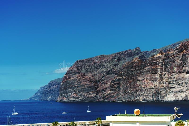 Stad av Los Gigantes i Tenerife, kanariefågelöar royaltyfria foton