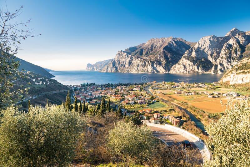 Stad av Riva del Garda, sjö Garda, Italien arkivbild