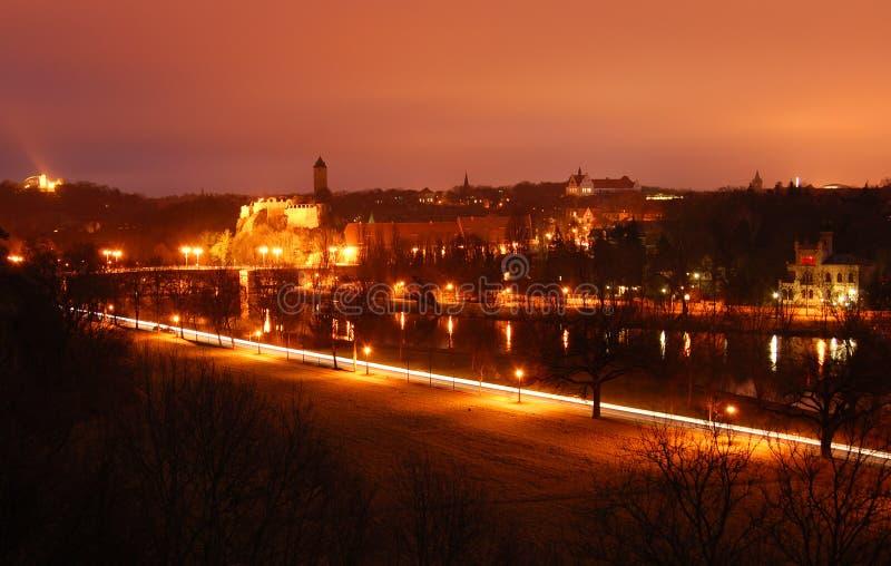 Stad bij nacht, Halle, Duitsland stock afbeeldingen