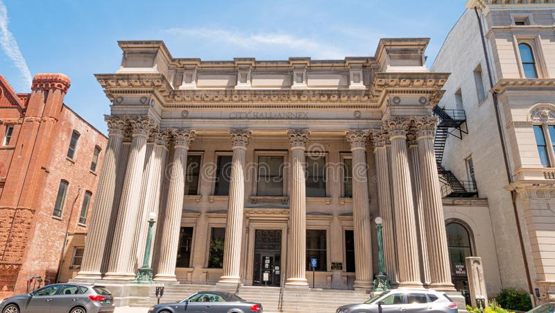 Stad Hall Annex Building i Louisville - LOUISVILLE USA - JUNI 14, 2019 royaltyfri bild