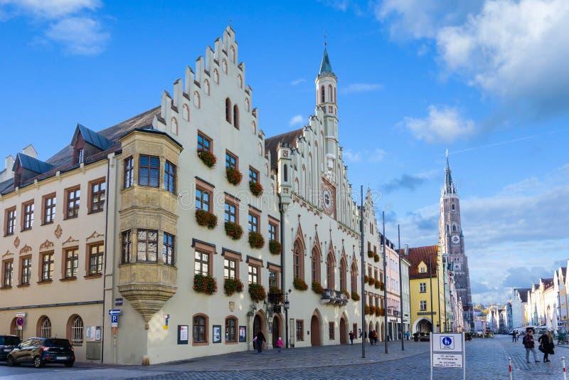 Stad Hall Landshut med centret i den Bayern Tyskland arkivbilder