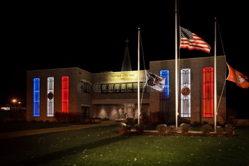 Stad Hall Lit Up voor Frankrijk, Portage, BINNEN stock afbeelding