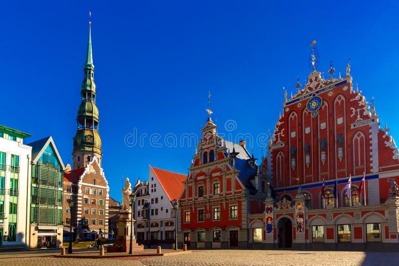 Stad Hall Square in de Oude Stad van Riga, Letland royalty-vrije stock fotografie