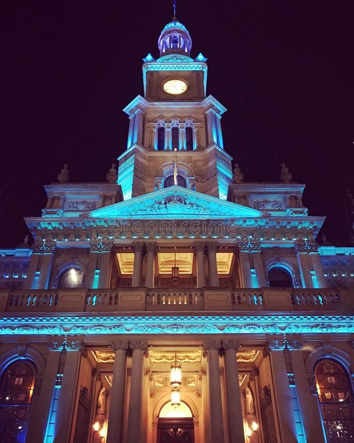 Stad Hall Sydney vid natt royaltyfri fotografi