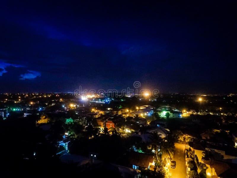Stad i natten royaltyfri fotografi