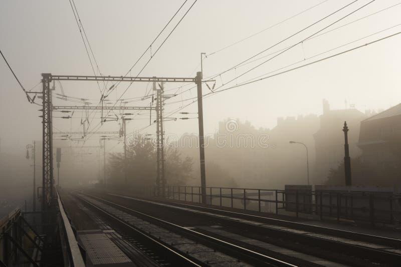 Stad in mist stock fotografie