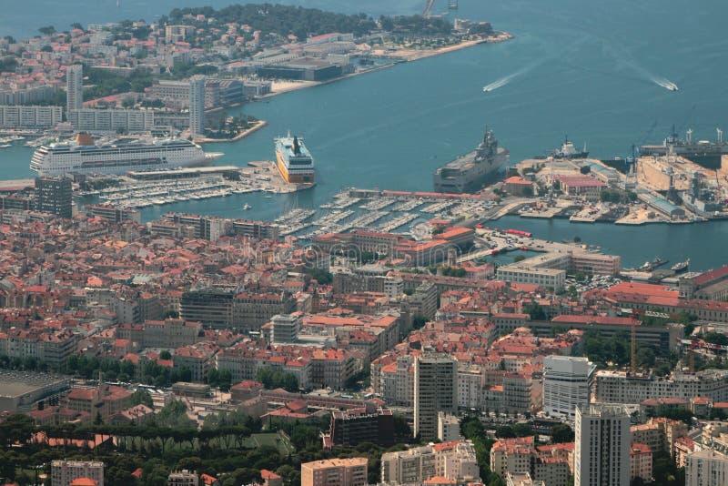 Stad och hamnstad på havskusten Toulon, Frankrike arkivbild