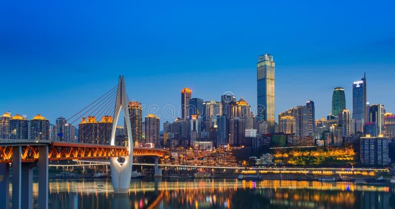 stad op rivier royalty-vrije stock fotografie