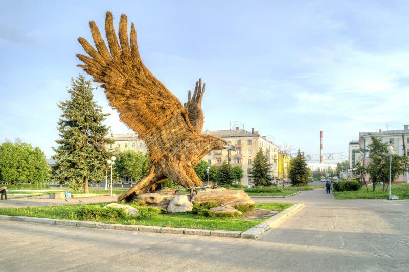 Stad Oryol Skulptur av örnen royaltyfri bild