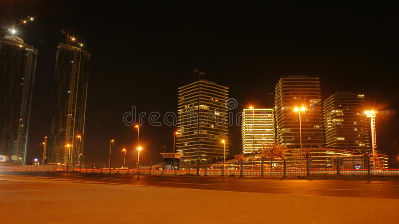 Stad på natten i Istanbul royaltyfri foto