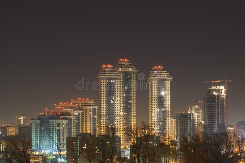 Stad 's nachts, de nacht Moskou royalty-vrije stock afbeeldingen