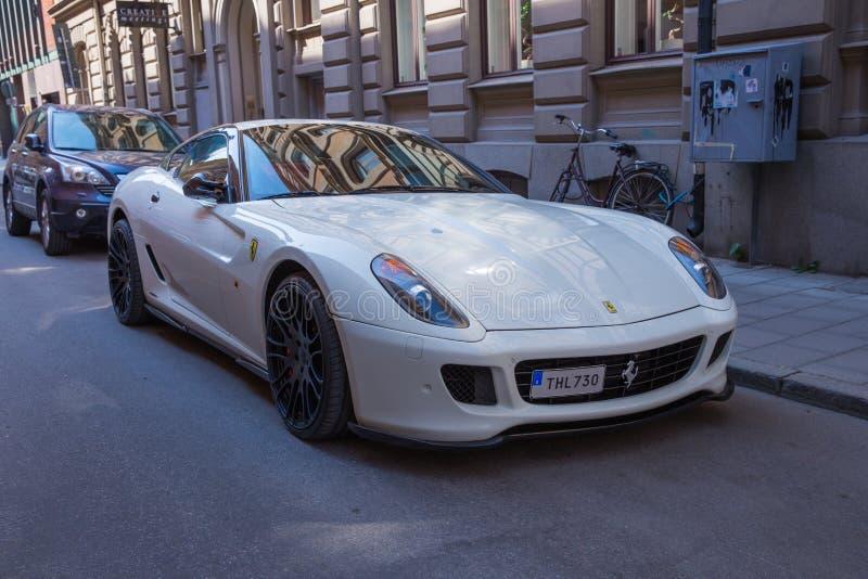 Stad Stocholm, Sverige Tävlar den exklusivt bilen, gatan och stads- för sport royaltyfri foto