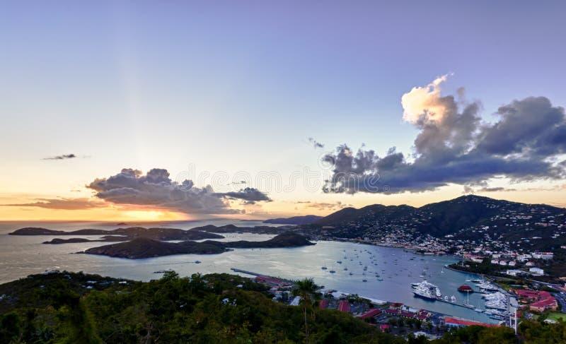 Stad van Charlotte Amalie en Haven royalty-vrije stock foto