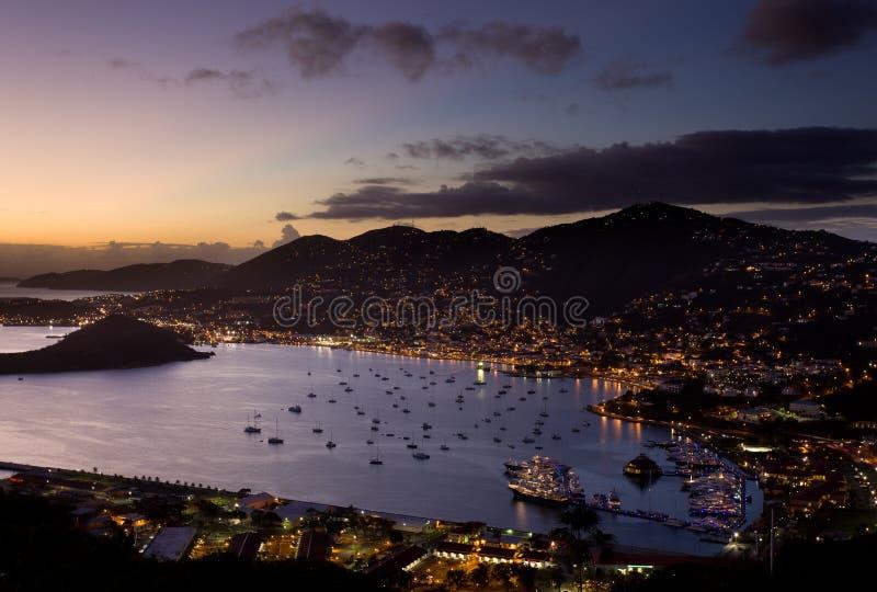 Stad van Charlotte Amalie en Haven stock foto's